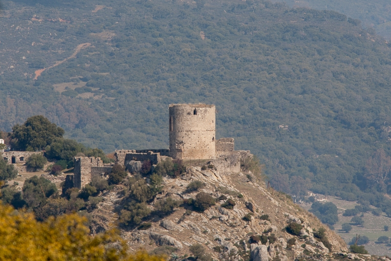 Jimena Castle 21.02.2012  (Canon EF 300mm f/4.0L IS + Canon EF 1.4x II Extender)